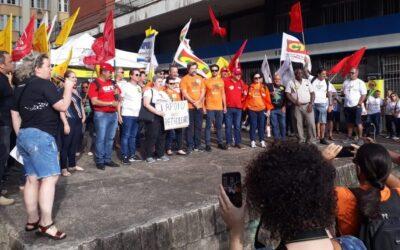 Sindimetrô-RS participa de protesto contra o desmonte da Previdência